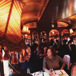 Melbourne Travel Guide, Colonial Tramcar Restaurant
